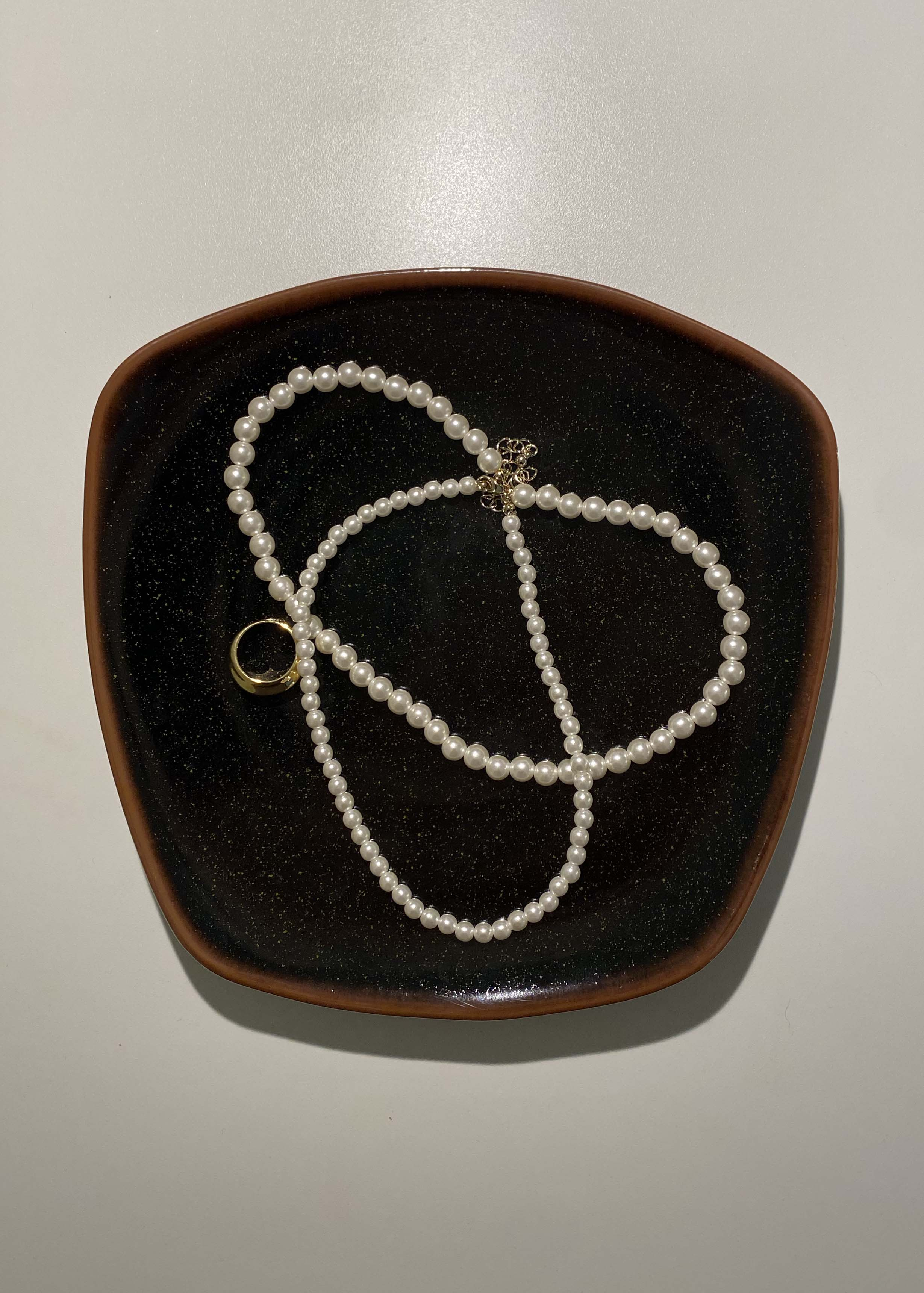 FOUNDᐝ Two line pearl necklace